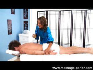 Presley Hart Cum Swallowing Massage