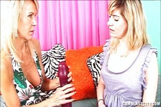 Jerking Lesson By Horny Mom