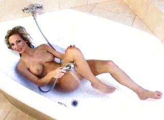 Vanessa Cooper In The Bathtub
