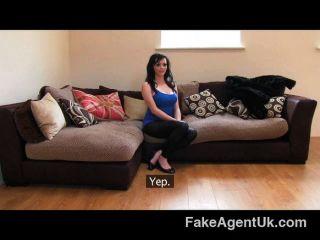 Fakeagentuk - English Barmaid Reveals Tits