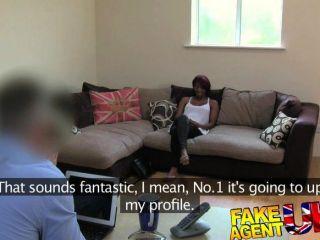 Fakeagentuk - Hot Ebony Girl Spreads Legs