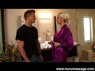 Blonde Milf 69 Massage