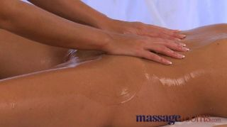 Massage Rooms - Expert Lover Gives Oral