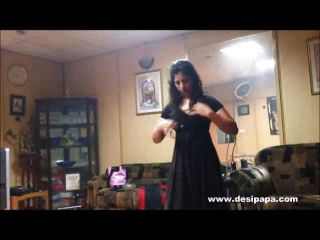 Indian Sex Babe Dancing On Sexy Song