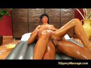 Hot Babe Gives A Special Nuru Massage