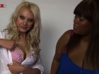 Pornxn Petite Blonde Fist Fucking Fat Ebony
