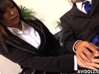 Secretary Slut Satomi Maeno Blows Cock