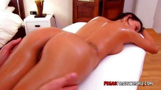 Amy Lee Gets A Dirty Massage