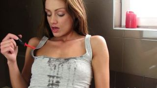 Piss Fetish Beautie Covers Self In Urine