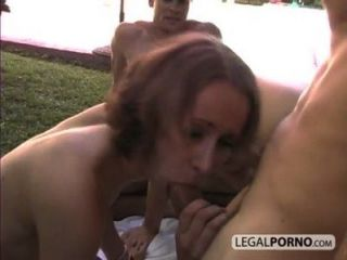 Two Horny Babes And Two Big Cocks Fucking In The Garden Hc-2-02