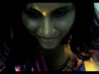 Desi Indian Girl Stripping In Saree On Webcam Showing Bigtits