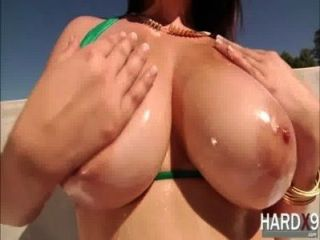 Damn Hot Noelle Gets Her Dripping Pussy Fucked By Micks Huge Cock