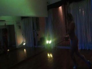 Ayelen Paleo..bailando Tango En Bolas