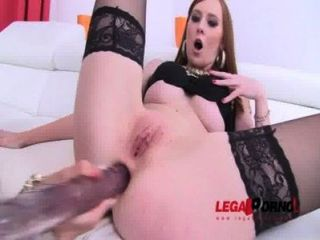 Piss Drinking Sluts Linda Sweet & Susan Ayn Take On Huge Black Cocks (pee Swallow, Dp) Sz666