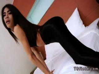 Slim Tranny Jerks Off Her Big Dick In Bedroom