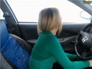 Lor3nahot29 - Masturbating In Car