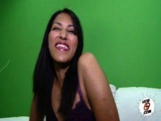 Casting Leyla Brunette Girl