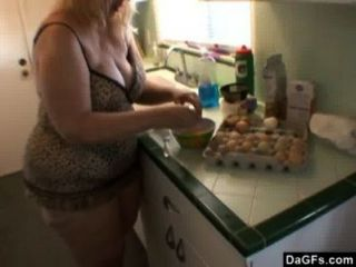 Fat Mature Does Breakfast In The Kitchen