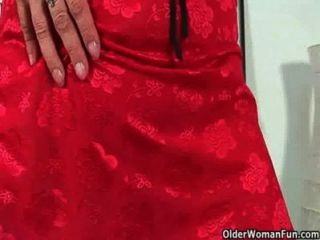 Sultry Mature Mom With Big Tits Fucks Herself With Two Dildos