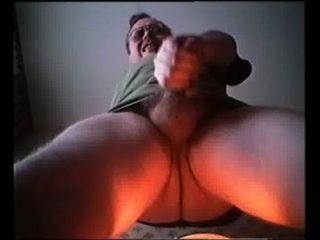 Tueffi Laesst Den Samen Spritzen-01 Slow Motion