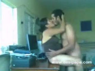 Muslim Couple Nawaz And Hira Have Sex On Table.3gp