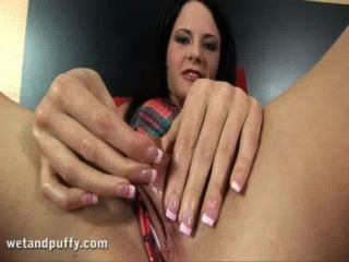 Juicy Cherry Pussy Lips Getting Some Attention