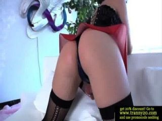Shemale Tranny Has Her Hard Cock Sucked