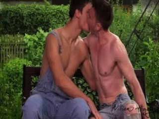 Huge Cocked Milan Barebacks Bottom Guy Roman In The Garden