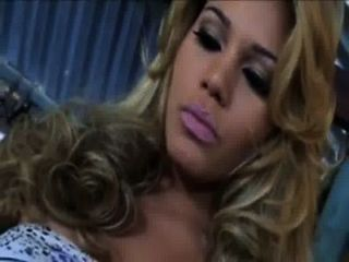 Alexandra Beatriz 01 • transexluxury.com