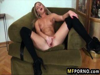 Stunning Freaky Blonde Rubs Her Wet Clit Amanda Blake 2