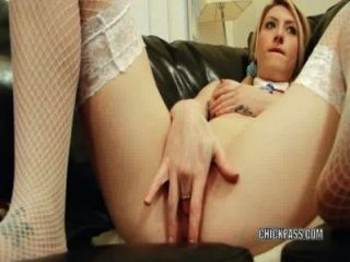 Horny Blonde Lauren Cox Is Making Her Sweet Pussy Cum