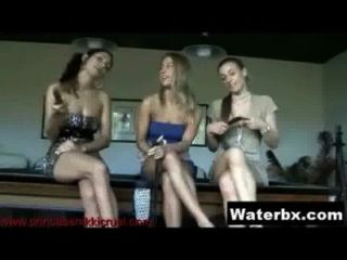 Kinky Chick Taking Piss Hardcore Porno