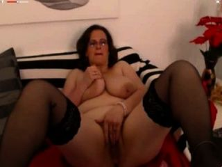 Married Mature Masturbating Until She Came