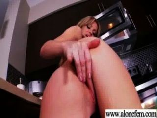 Solo Pretty Girl Love Masturbates With Things Video-03