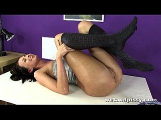 Brunette Toys Her Pussy Until She Orgasms