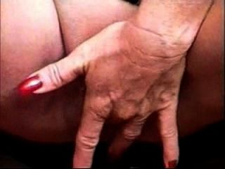 Gorgeous Granny Rubbing Her Huge Clit. Amateur Older