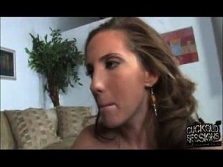 Kelly Divine - Cuckold Kiss
