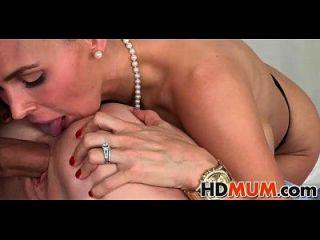 Sexy Mum Fucks Teens