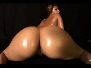 image Juicyfruitmo325 from youtube shaking her big pawg ass nude