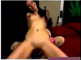 Brunette Amateur Bitch Plays With Toys - cromweltube.com