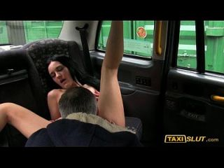 Pretty Amateur Black Haired Pounded For A Free Cab Fare