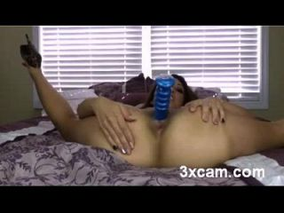 Hot Cam Babe Plays