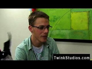 Hot Twink Taylor Lee And Jae Landen Are 2 College Aged Twinks. Taylor