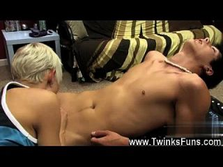 Amazing Twinks Lexx Jammer Indeed Takes The Lead In This Hot Drill