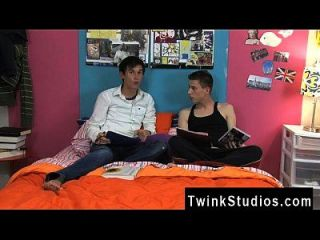 Twink Sex Things Get Warmed When Mason Begins Deep Throating Man-meat