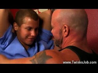 Hot Twink Scene Blade Is More Than Blessed To Share His Lad Spear And