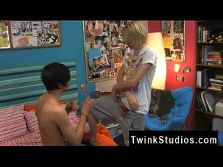 Twink Sex Aidan And Preston Are Stringing Up Out In The Bedroom After