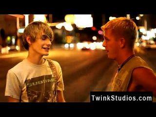 Gay Guys Kayden Daniels And Preston Andrews Are Visiting Las Vegas To