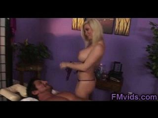 Gorgeous Blonde Milf Diamond Foxxx