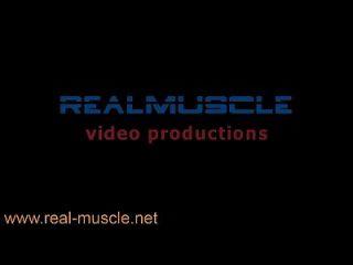 Realmuscle Bodybuilder Sexy Posing